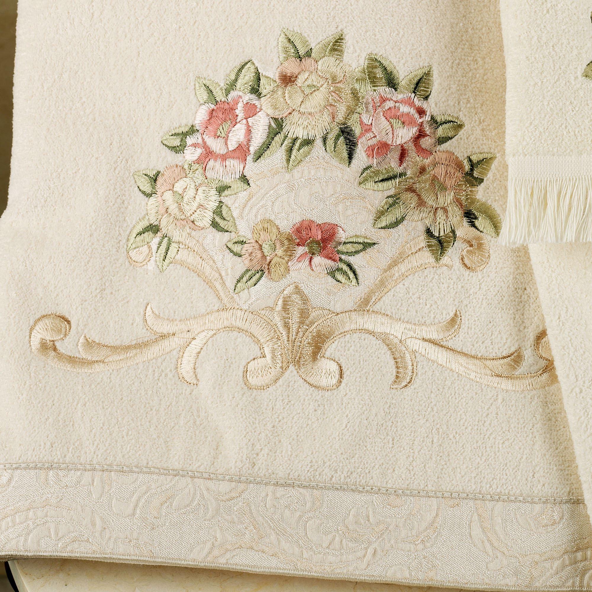 Вышивка на бамбуковом банном полотенце
