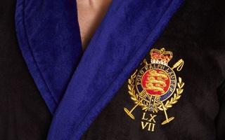 Вышивка на мужском велюровом халате
