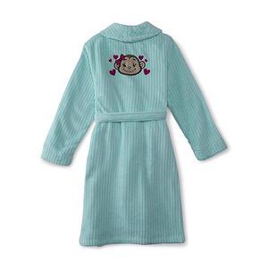 Вышивка на детском велюровом халате